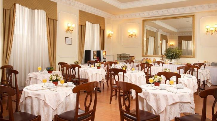 Rome, Hotel Pace Helvezia, Restaurant