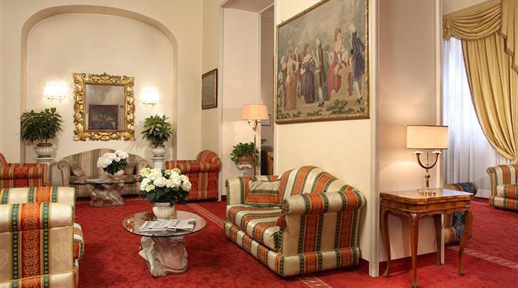 Rome, Hotel Pace Helvezia, Lobby