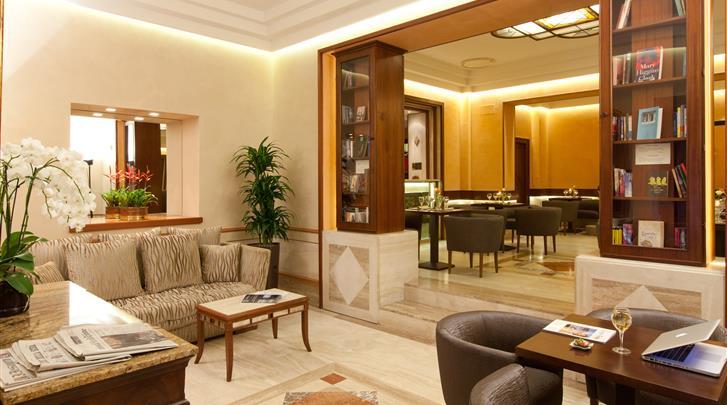 Rome, Hotel Diana, Lobby