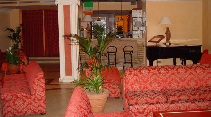 Rome, Hotel Portamaggiore, Lobby