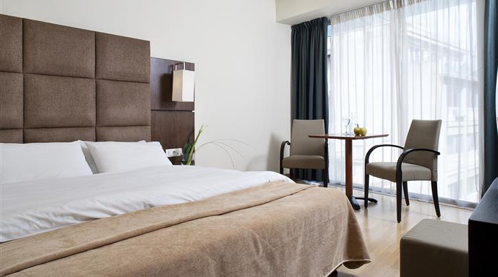 Athene, Hotel Arion