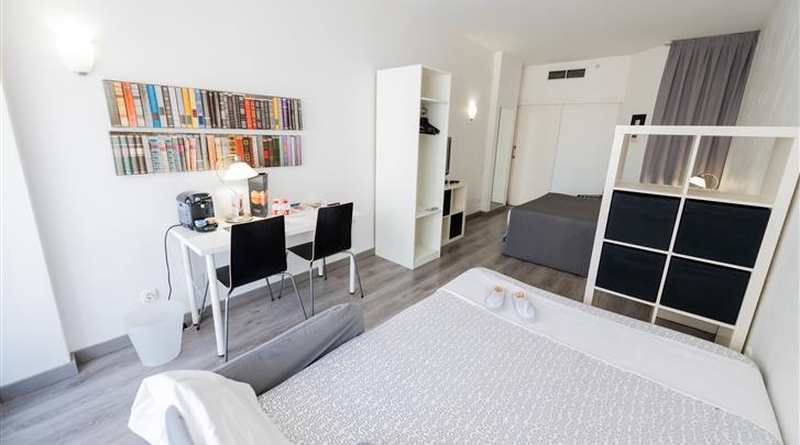 Barcelona, Aparthotel Atenea Calabria, Kamervoorbeeld