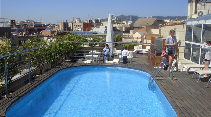 Barcelona, Hotel America, Dakterras met zwembad