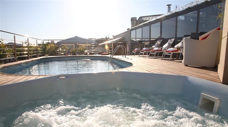 Barcelona, Hotel America