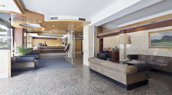 Barcelona, Hotel Auto Hogar, Receptie