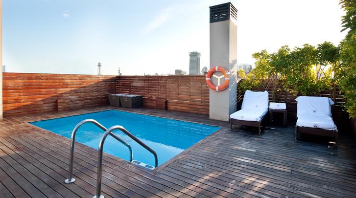 Barcelona, Hotel Catalonia Avinyo, Terras met zwembad