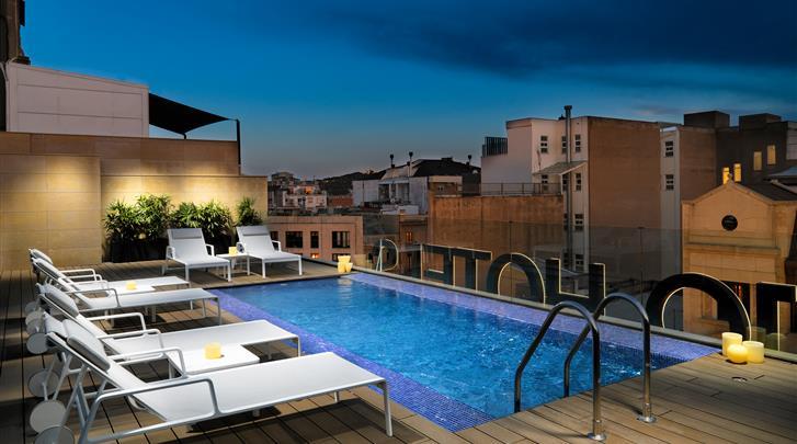 Barcelona, Hotel H10 Art Gallery, Dakterras met zwembad