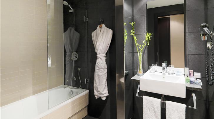 Barcelona, Hotel H10 Casanova, Badkamer