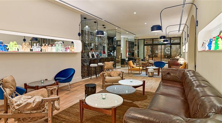 Barcelona, Hotel H10 Cubik, Hotel bar