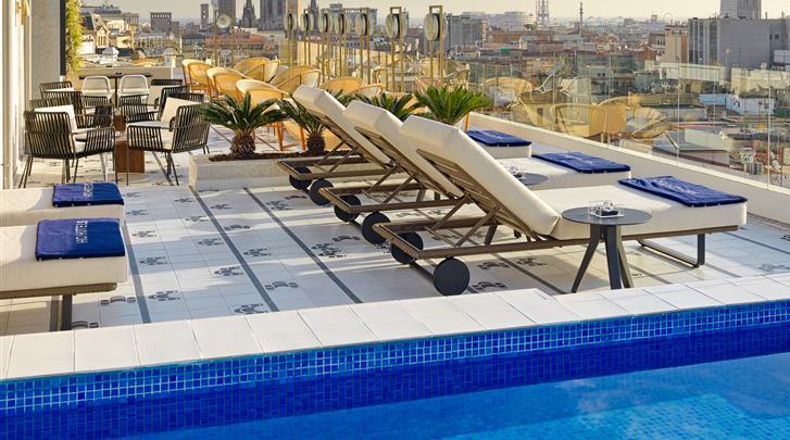 Barcelona, Hotel H10 Itaca, Zwembad