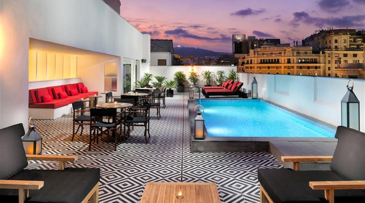 Barcelona, Hotel H10 Metropolitan, Dakterras met klein zwembad