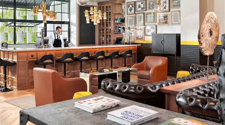 Barcelona, Hotel H10 Metropolitan, Hotel bar