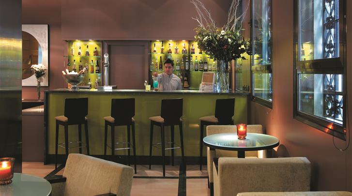 Barcelona, Hotel H10 Montcada, Hotel bar