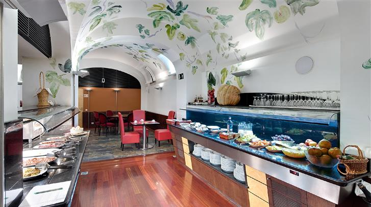 Barcelona, Hotel Medinaceli, Ontbijtbuffet