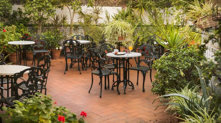 Barcelona, Hotel Meson Castilla, Kleine tuin en terras