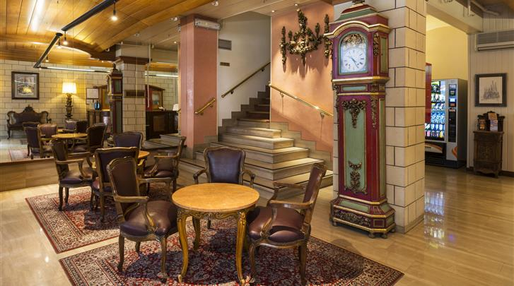 Barcelona, Hotel Meson Castilla, Lobby