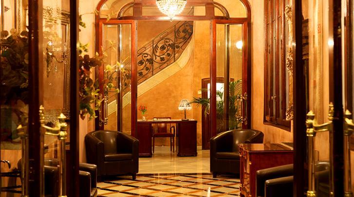 Barcelona, Hotel Nouvel, Entree