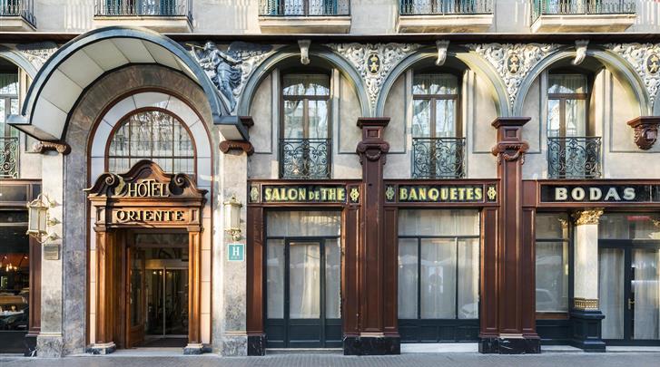 Barcelona, Hotel Oriente Atiram, Façade hotel