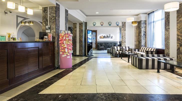 Barcelona, Hotel Oriente Atiram, Lobby