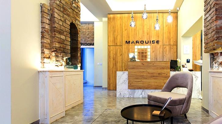 Belgrado, Hotel Marquise, Receptie