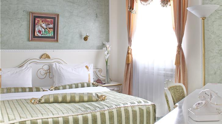 Belgrado, Hotel Queen's Astoria, Deluxe kamer