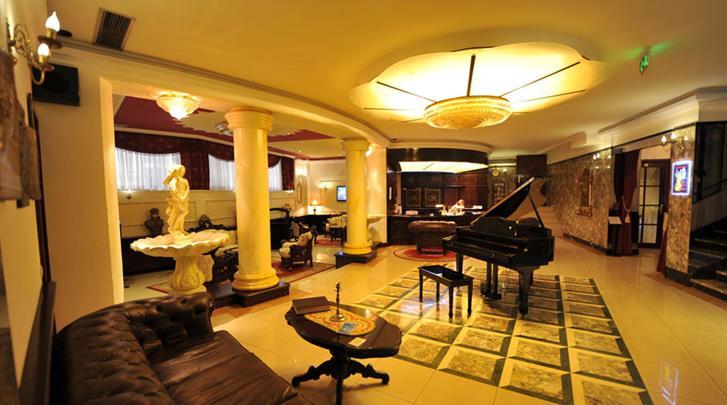 Belgrado, Hotel Queen's Astoria, Lobby