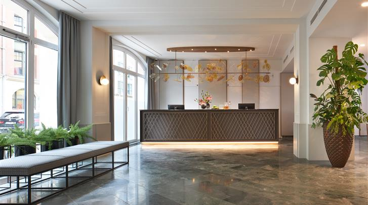Berlijn, Hotel Alexander Plaza, Receptie