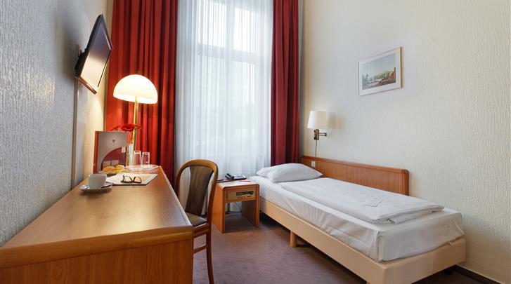 Berlijn, Hotel Azimut Berlin Kurfürstendamm, Eenpersoonskamer voorbeeld