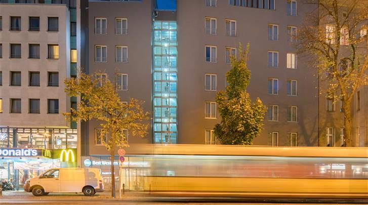 Berlijn, Hotel Best Western Kantstrasse, Façade hotel