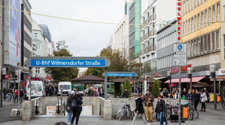 Berlijn, Hotel Best Western Kantstrasse, Winkelstraat en metro om de hoek