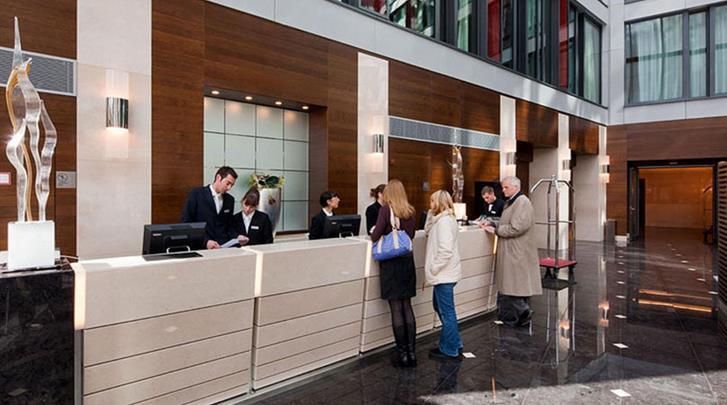 Berlijn, Hotel Eurostars Berlin, Receptie