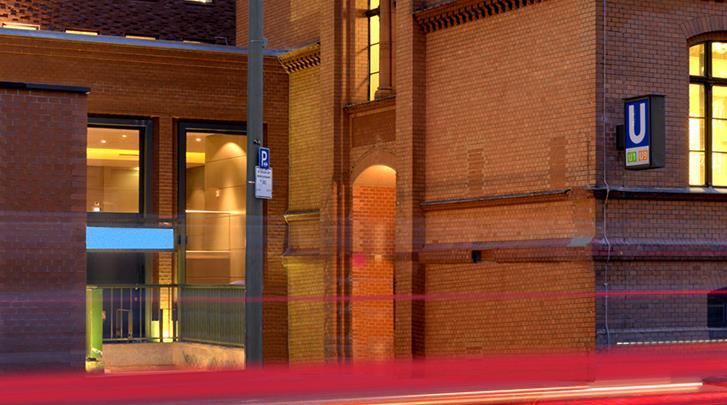 Berlijn, Hotel H10 Berlin Ku'damm, Metrohalte naast het hotel