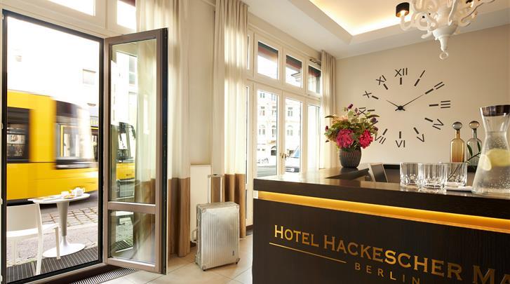 Berlijn, Hotel Hackescher Markt, Receptie
