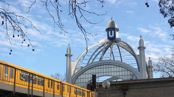 Berlijn, Hotel Mercure Berlin Zentrum, Metrohalte op 400m