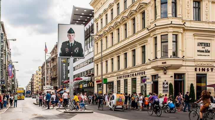 Berlijn, Hotel the niu Dwarf, Op 10 OV-minuten van Berlin-Mitte