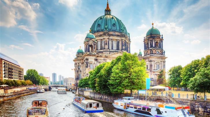 Berlijn, Living Hotel Berlin-Mitte, Diverse bezienswaardigheden binnen handbereik