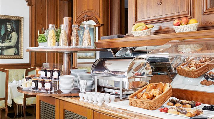 Berlijn, Living Hotel Berlin-Mitte, Ontbijtbuffet