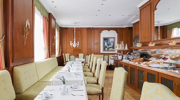 Berlijn, Living Hotel Berlin-Mitte, Ontbijtruimte