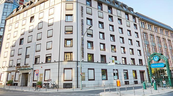 Berlijn, Living Hotel Grosser Kurfürst, Metrohalte voor de deur