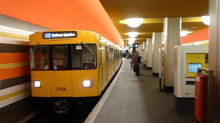 Berlijn, Novum Hotel Lichtburg, Metrohalte op 350m