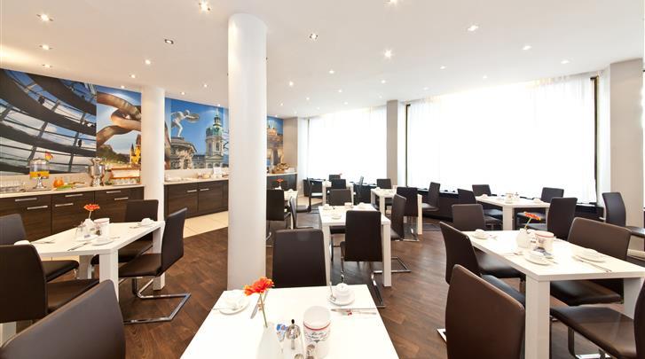 Berlijn, Novum Hotel Lichtburg, Ontbijtrestaurant
