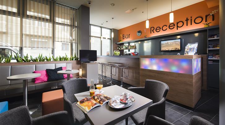 Boedapest, Bo18 Hotel, Bar & receptie