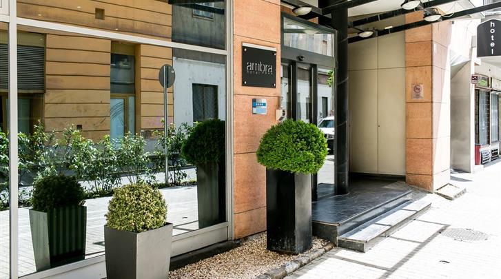 Boedapest, Hotel Ambra, Façade hotel