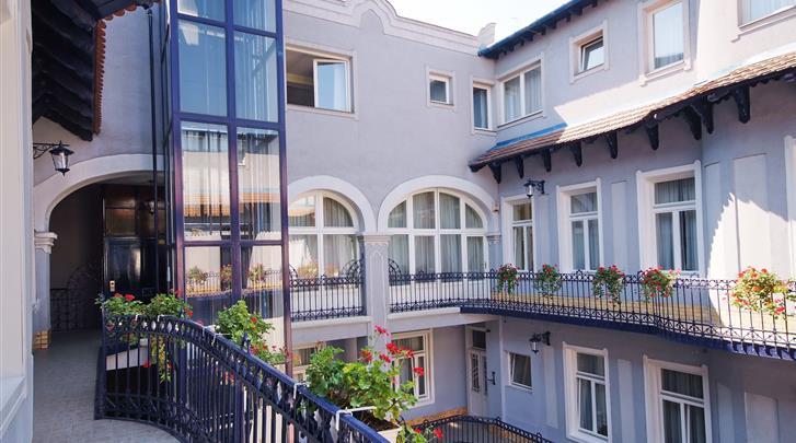 Boedapest, Hotel Baross City, Façade hotel