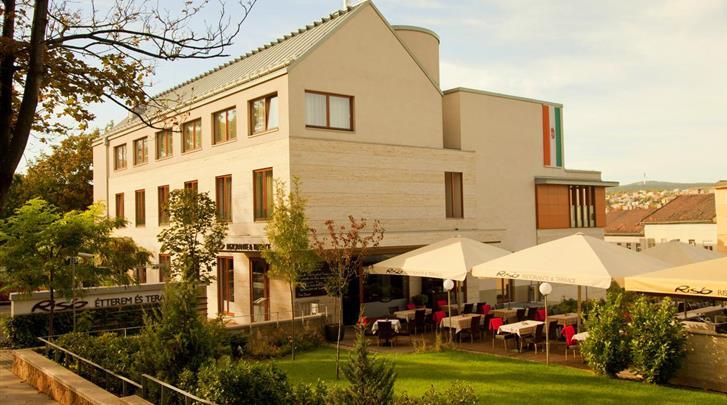 Boedapest, Hotel Castle Garden, Façade hotel