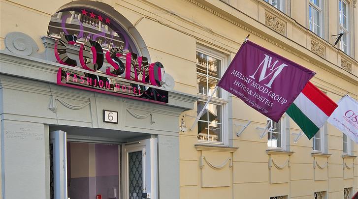 Boedapest, Hotel Cosmo City, Façade hotel