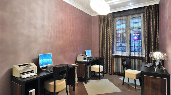 Boedapest, Hotel Exe Carlton (BUD), Businesscenter