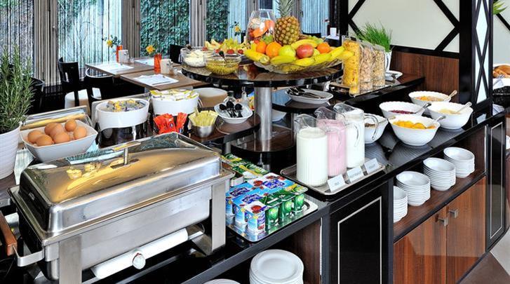 Boedapest, Hotel Exe Carlton (BUD), Ontbijtbuffet