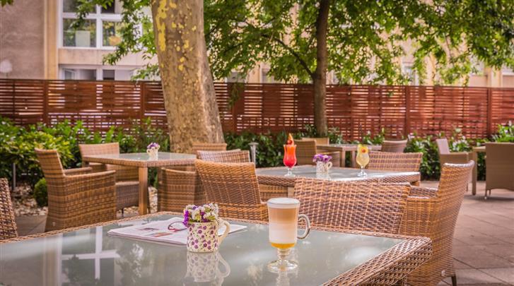 Boedapest, Hotel Lions Garden, Terras