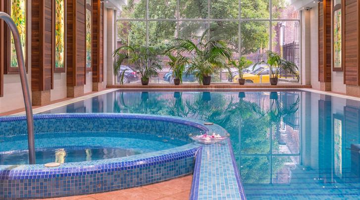 Boedapest, Hotel Lions Garden, Zwembad